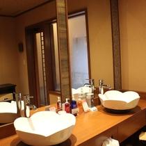 【二輪草】洗面スペース
