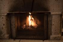 スィートルームには暖炉が