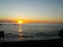 夕焼けの日本海