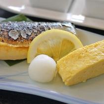 【和朝食一例】朝食は和定食か洋定食かお選びいただけます。チェックイン時にお申し出下さい。