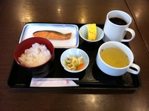 朝食(焼さけ定食)