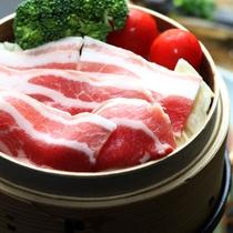 【夕食】黒豚のせいろ蒸し