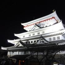 夜の熱海城はなんだか神秘的 (車で約10分)