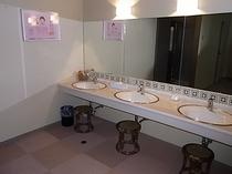 大浴場脱衣所洗面台