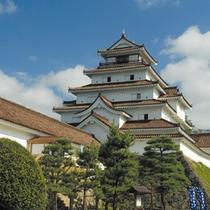 【鶴ヶ城】幕末期と同じ赤瓦に張り替えられた鶴ヶ城は見ごたえ十分!