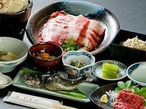 ⑦四季折々の地元食材を活かした郷土料理 「乗鞍やまや御膳」