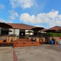 *外観/これぞ沖縄、琉球瓦。のんびりと解放感いっぱいの島時間を盛り上げます。
