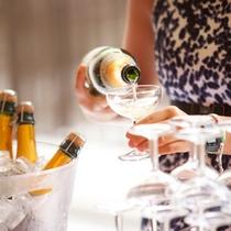 *スパークリングワイン/自由にお飲み頂けます。少し贅沢な時を演出。