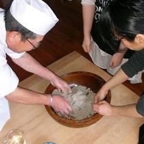 山の家おじさん直伝!手作り、打ち立ての蕎麦は格別です♪