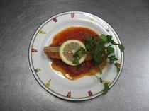 鮭のトマトソース