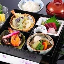お得な2食付5900円プラン夕食例
