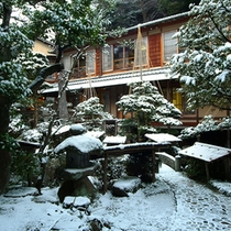 中庭_雪景色
