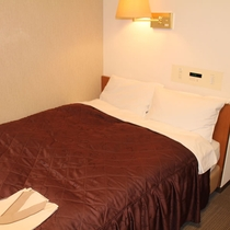 セミダブルルーム ベッド幅130cm 1台のベッドに2名様でご利用いただけます