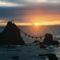 夫婦岩(夜明け)