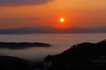 雲海からの朝焼け 晴れる日はオレンジに!