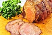 2階レストラン 「リューバンカフェ」 国産牛ローストビーフ
