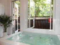 カントリー風デザイン風呂
