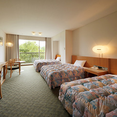 朝日洋室◆ミニゴルフ場と海を望む