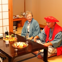 【アニバーサリーサービス】還暦のお祝いには赤いちゃんちゃんこも無料レンタル