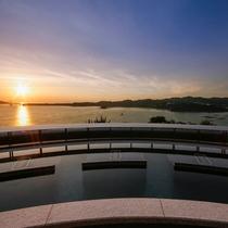 【天空のスパ 夕映えの湯】鳴門海峡を一望する絶景と美人の湯と呼ばれ美肌効果があるとろとろの泉質が自慢