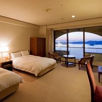 【鳴門海峡の見えるスタンダード洋室(34㎡)】ご夫婦やカップル、そしてビジネス利用にもおすすめ