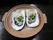 夕食の陶板焼き冬のこの季節は、牡蠣のみそ焼きです
