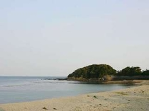 貝殻を拾いながら浜辺の・・・時間も旅先ならではの贅沢