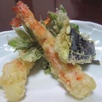 お庭でとれた新鮮野菜を使った天ぷら
