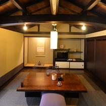 【桂】板の間と囲炉裏、農家の居間をイメージしたお部屋