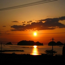 *日本海に沈む夕日を眺めて…