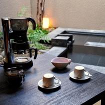 *お部屋にはドリップタイプのコーヒーをご用意