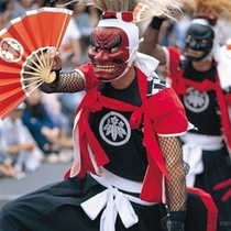 鬼剣舞(おにけんばい)は、北上地方に伝承されている民俗芸能です。