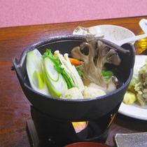 *夕食一例/お野菜がたっぷり♪お鍋を食べて暖まりましょう。