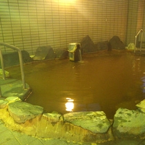 *【岩風呂】風情あるお風呂で温泉浴を満喫。