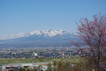 バルコニーから望む十勝岳連峰