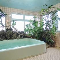 *【館内一例:女湯】窓から見える海を眺めてリフレッシュ♪