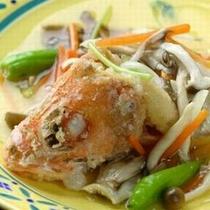 """【創作料理一例】鮮度の高い魚煮つけ。""""新鮮さを味わう""""という醍醐味をお楽しみください。"""