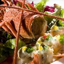 【別注料理一例】季節毎で別注でお造り致します。伊勢エビのサラダ是非ご賞味あれ!