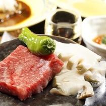【創作料理一例】『磯の香り高いアワビ』と『柔らかな和牛』を使用した石焼。絶品です。(プランによる)