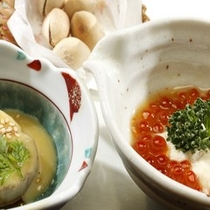【創作料理一例】地元の海の幸、山の幸をふんだんに使った品々、ヘルシーで大好評です。