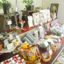 *売店では色々なお土産も売っています☆【アルパカ牧場】