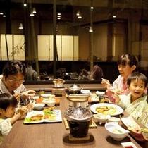 【お子様連れ】お子ちゃまも安心のお食事席をご用意致します。