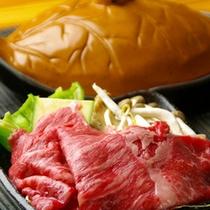 地元の食材にこだわったお料理をお召し上がりください。