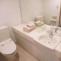 ♪洗面化粧台、トイレ