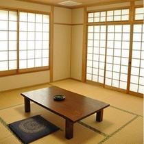 海側和室8畳一例
