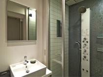 シャワーブースルーム
