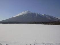 真冬の岩手山