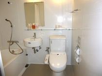 2014年7月改装したツインのバスルーム