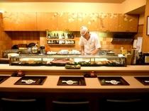 当旅館の中にある寿司処「花吹雪」、お夜食にどうぞ。ご予約頂ければご宿泊以外のお客様のご利用も承ります