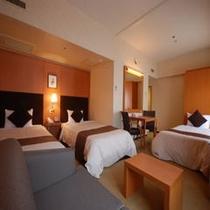 3名様部屋(2ベッド+1ソファーベッド)
